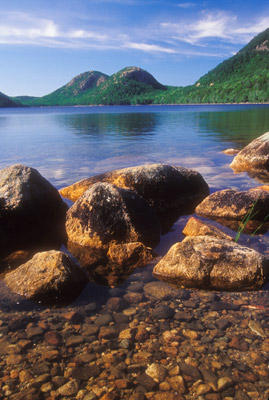 Bubbles of Jordan Pond by Gary Thompson